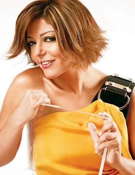 """روتانا تطبع بوسترات """"عايزة أعيش"""" لـ سميرة سعيد وتوزعها مجاناً مع الألبوم"""