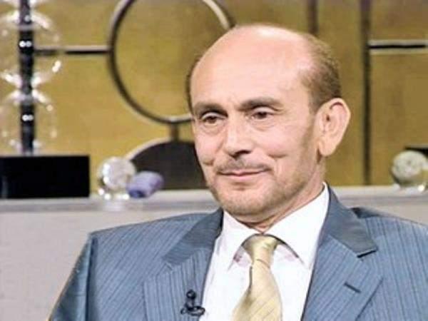 بعد وفاة زوجته..هذه حقيقة إعتزال محمد صبحي