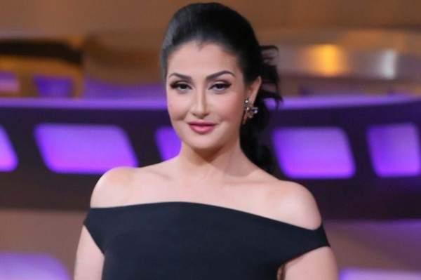 غادة عبد الرازق تتعرض للسخرية بسبب كلمة كتبتها باللغة الانجليزية