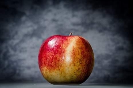 جومانا وهبي تكشف عن تفسير التفاح في الأحلام
