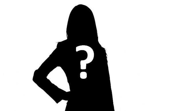 بعد تسريب فيديو لها وهي تستحم.. الفنانة الجزائرية تنهار باكية وتكشف عن هوية الفاعل- بالفيديو