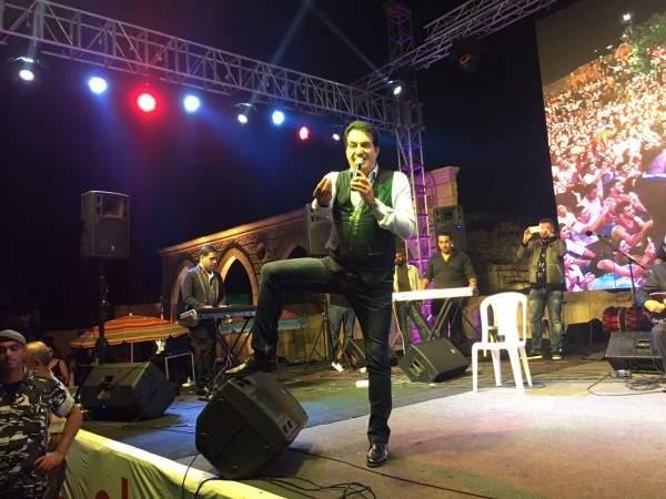 خاص بالصور- حشد جماهيري في حفل محمد اسكندر في حاصبيا
