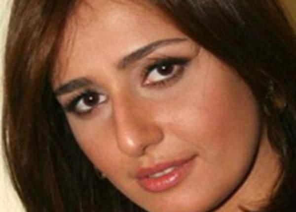 حلا شيحة في أوّل تعليق لها على منتقدي خلع حجابها- بالصور