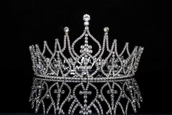ملكة جمال فنزويلا تحصد لقب Miss International في عيد ميلادها
