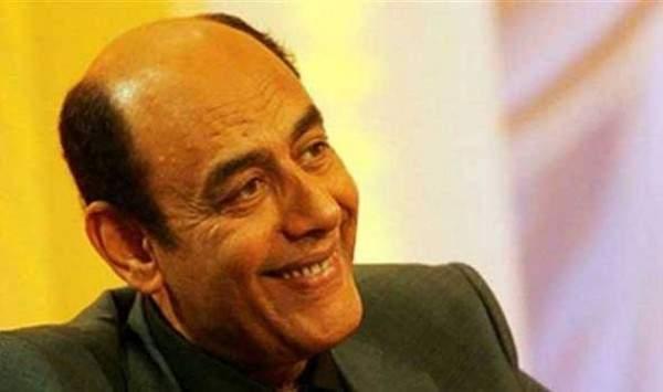 أحمد بدير يمتلك سيركاً يطوف به في الموالد الشعبية