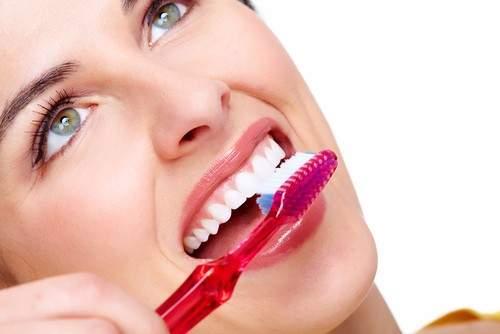علاج لإزالة رائحة الفم الكريهة