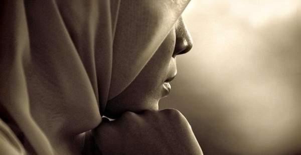 بعد سلسلة من الإطلالات الجريئة ...فنانة مصرية تتحجب؟ بالصورة