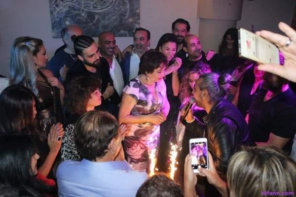 خاص بالصور- لبلبة تتلقى مفاجأة عيد ميلادها بين النجوم والنجمات في بيروت