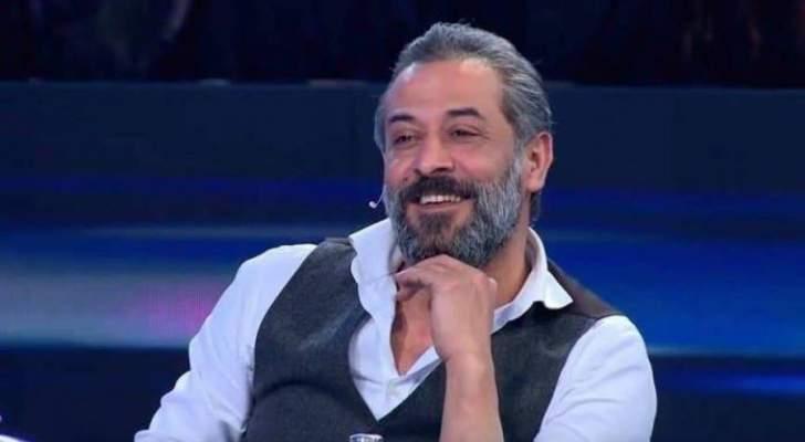عبد المنعم عمايري رفض الزواج بعد طلاقه من أمل عرفة.. وأثار الجدل بحقيقة علاقته بـ دانا حلبي