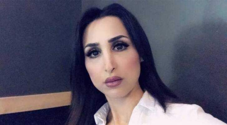 بالفيديو- بعد إثارتها الجدل بتعليقها على الحجاب.. هند القحطاني تصدم الجمهور بهذه الإطلالة