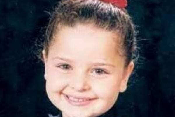 لن تحزروا من هي هذه الطفلة الجميلة !
