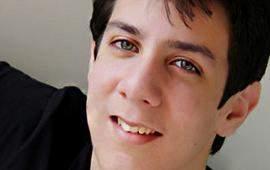 حفيد كمال الشناوي يسجل أولى أغانيه