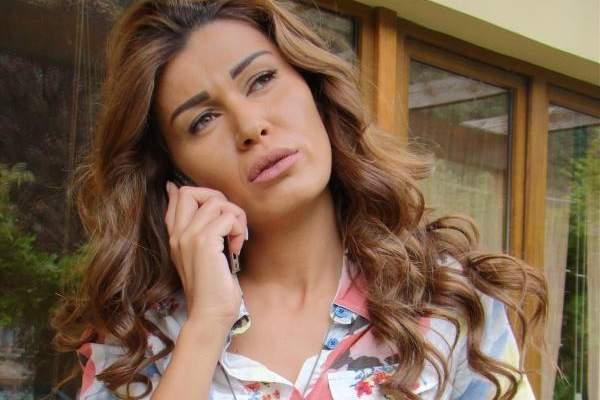 نادين الراسي تصحح: أنا مولودة في 4 أيلول ...