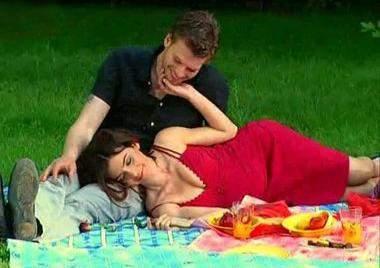 مشهد الجنس يين سمر ومهنّد في العشق الممنوع .. يقلق الحكومة التركية