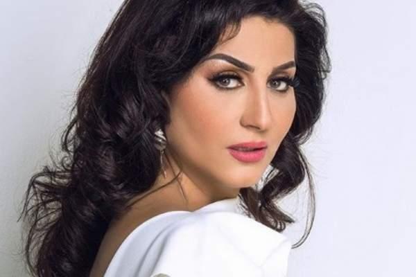 وفاء عامر مسيرة فنية حافلة.. مشهد جريء مع محمد رمضان وأيتن شقيقتها أم أبنتها؟