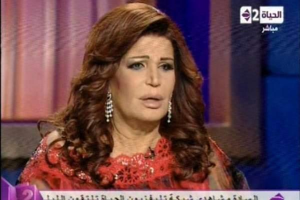 """نجوى فؤاد لنيشان: تزوجت 12 رجلاً وأحببت واحداً .. و""""الوحدة اليوم قتلاني"""""""