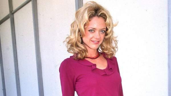 وفاة الممثلة ليزا روبين كيلي من 'ذات 70 شو' بعد مشاكل إدمان