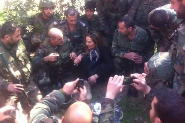 رغدة تعود الى سوريا وتجتمع بجموعة من الجيش