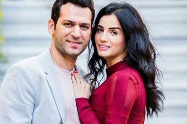 مراد يلدريم يتغزّل بزوجته باللغة العربية-بالصورة