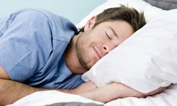 وداعاً للتعب ..اعتمدوا هذه الوضعية أثناء النوم