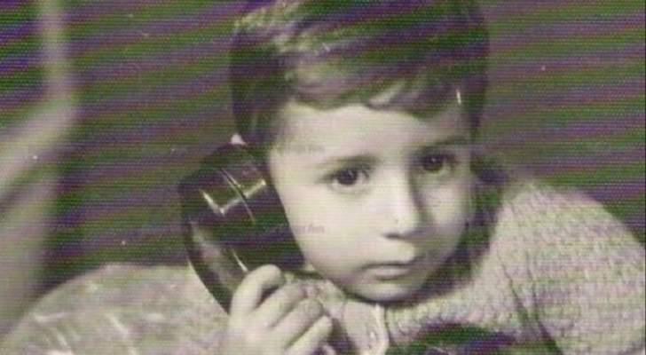 بالصورة- خمنوا من هو هذا الطفل الذي أصبح ممثلاً مشهوراً