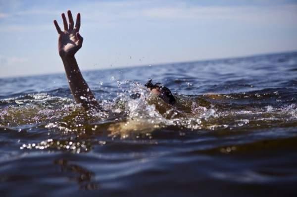 وفاة مقدم برامج غرقا في البحر