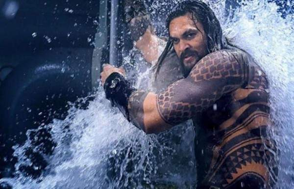 جايسون موموا يوقف تصوير Aquaman 2