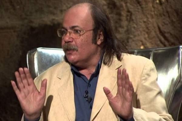 تفاصيل جنازة طلعت زكريا وأشرف زكي يرد على الشامتين بوفاته- بالفيديو