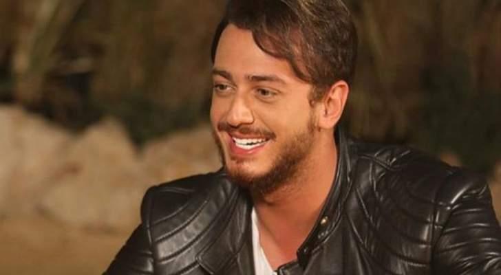 """سعد لمجرد يخفي عينيه ويغني """"شمعة""""..والجمهور: """"أبدعت""""-بالفيديو"""
