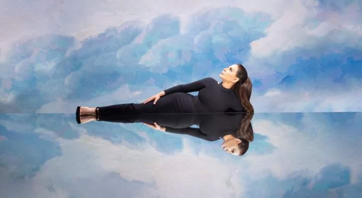 """إليسا تشوّق متابعيها لألبومها """"صاحبة رأي"""" ويتصدّر في لبنان.. بالصورة"""