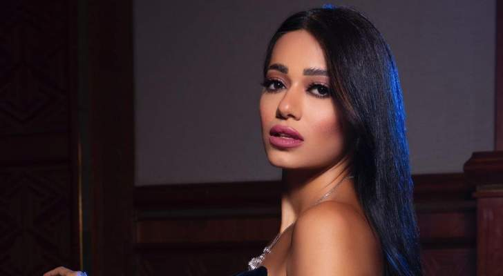 """بالفيديو- رحمة رياض تطرح كليب أغنيتها الجديدة """"احجي مع حالي"""""""