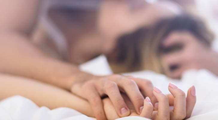 خرقا القوانين ومارسا الجنس في مكان عام أمام المارّة