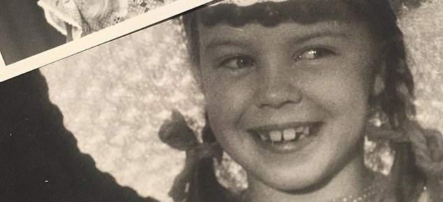 هذه الطفلة باتت نجمة عالمية وتحتفل اليوم بعيدها الـ52