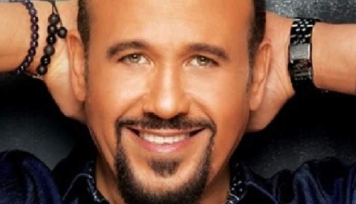 "هشام عباس يتخطى النصف مليون مشاهدة بـ ""حذرتك"""