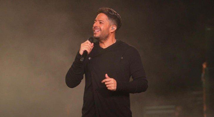 بالفيديو- محمد حماقي يغني أغنية من ألبومه الجديد.. وهذا موعد طرحه