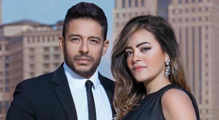 بالصور- محمد حماقي بظهور نادر مع زوجته