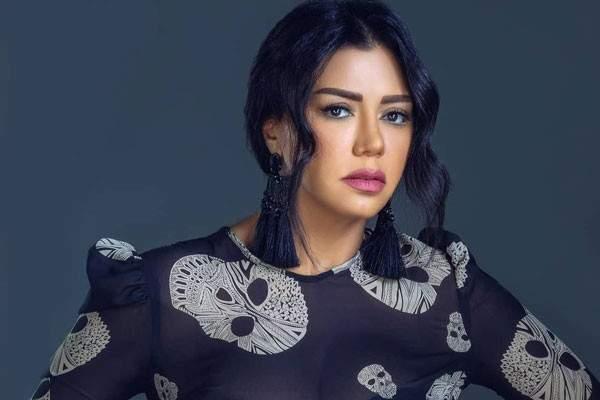 بالفيديو- رانيا يوسف تتحول إلى شيف