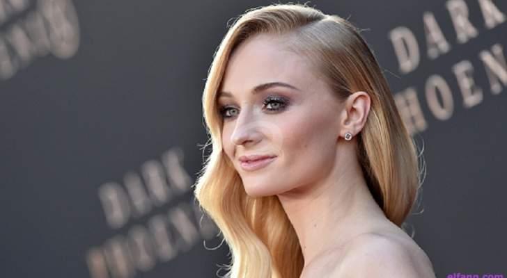 """صوفي تيرنر تعرّفت على الجنس في """"Game Of Thrones"""".. وتأكدت من ميولها الجنسية مع جو جوناس"""