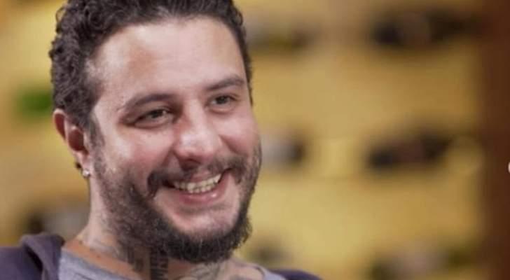 أحمد الفيشاوي يحتفل بعيد زوجته ويثير الجدل بفتحه زجاجات الخمر- بالفيديو