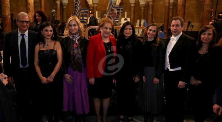 هاروت فازليان يقدم فاديا طنب الحاج وهبة القواس وجويل خوري في حفل تكريم المرأة