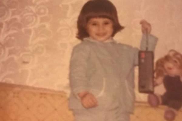 خمنوا من هي هذه الطفلة التي اصبحت نجمة؟