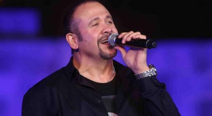 """هشام عباس بألبومه """"عامل ضجّة"""" لم يُحدث أية ضجة"""