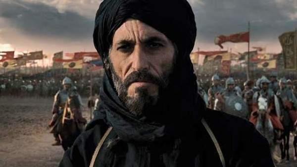 هل من شبه واضح بين غسان مسعود وابنه؟