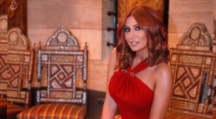 أصدقاء هبة نور يحتفلون بعيد ميلادها وإطلالتها الجريئة تخطف الأنظار-بالفيديو
