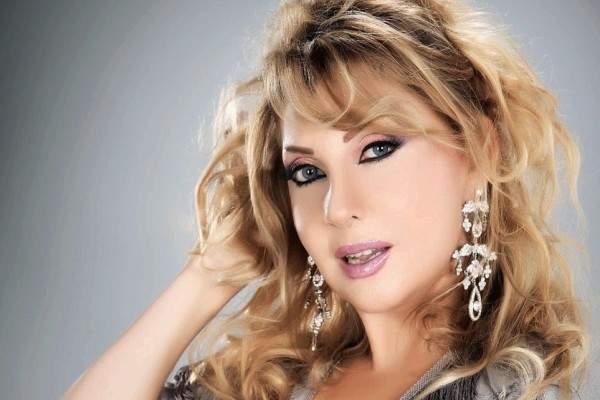 خاص الفن- نادية الجندي تعرضت فعلاً للسرقة في بيروت وهذه التفاصيل