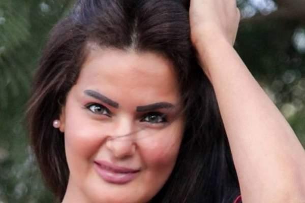 بالفيديو- سما المصري تستعرض مهارتها في السباحة بلباس البيكيني