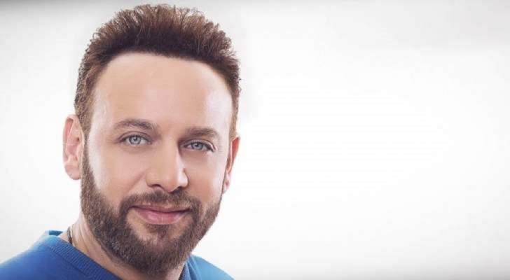 مصطفى قمر ينتهي من تسجيل أغاني ألبومه الجديد