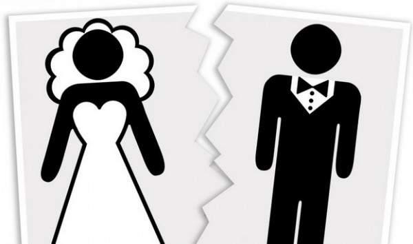 بسبب تخطي طلبه للمعاشرة الزوجية يومياً هذا العدد الكبير..إمرأة تطلب الطلاق