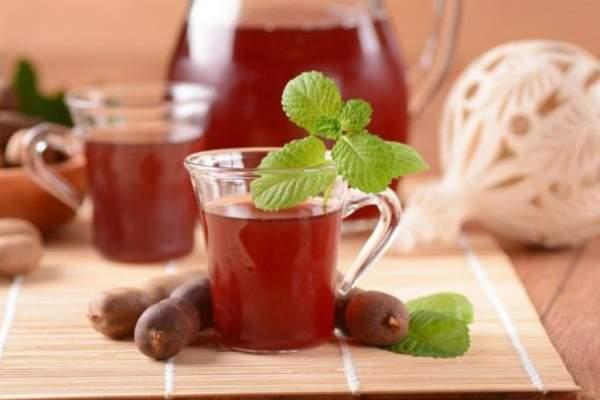 التمر الهندي فاكهة حامضة عصيرها شهي وغني بالمعادن والفيتامينات