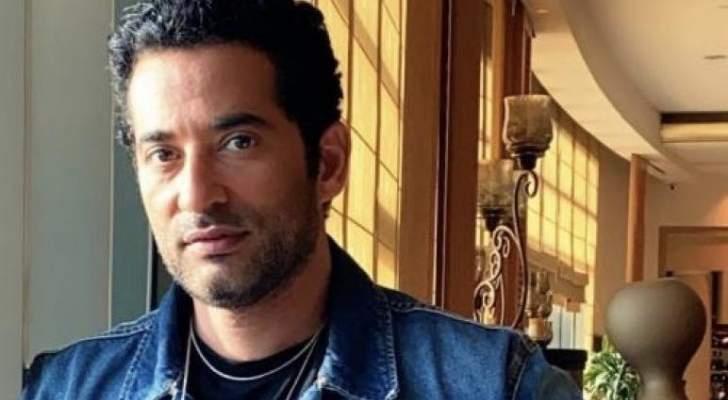 عمرو سعد يثير ضجة بصورة مسربة له